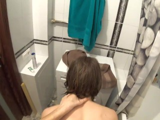 Stepsister gets some sperm on face in the bathroom   PARENTS ARE NEARBY!