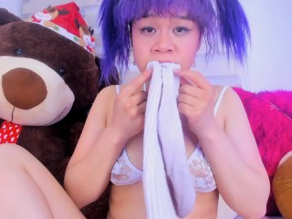 Lila Jordan nudes her feet