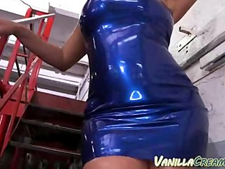 Latina Pulls Out Her Big Tits In Garage