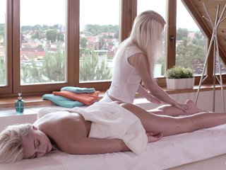 Relaxxxed – Orgasmic lesbian oil massage