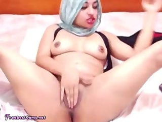 Arab Egypt Teen In Hijab Squirting Orgasm On Webcam