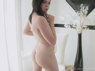 Lovely solo session with a horny girl