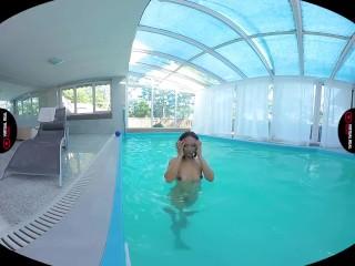 VirtualRealPorn – Swimmer solo