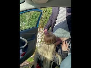 Maevaa Sinaloa – Je suce un inconnu et prend une facial en public au bord de la route