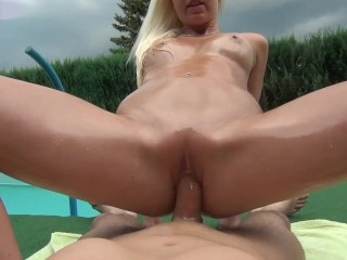 naughty-hotties.net – oiled up quickie by the pool