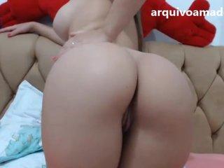 Novinha gostosa de quatro na webcam