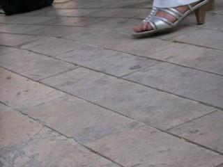 les milfs orléannaises ont des pieds sales et odorants 2, smelling feet