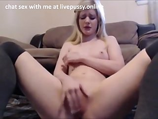 Real Amateur Masturbating on Live Cam Show