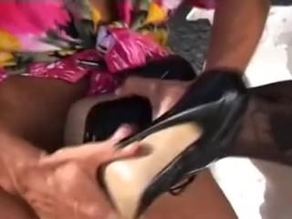 Lilian Tiger Leg Affair