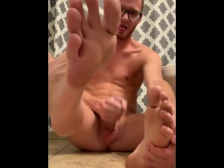 Teen massages own feet, and cums on them