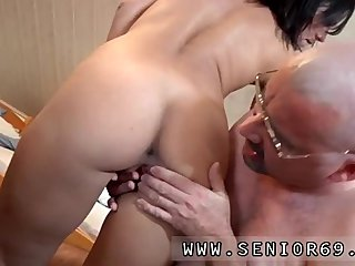 Sexy old mature Scarlet is to late with