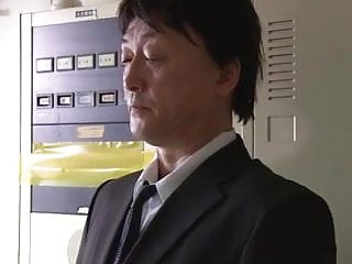 Milf Uchimura Rina Fucked by coworker in locker room