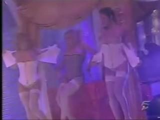 Susana Reche and friends striptease