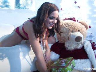 Natasha Nice Horny Holiday Thief