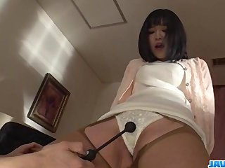 Nozomi Yui gets toys to crack down her pussy