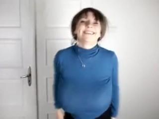 mi tia pechugona bailando en la webcam para su esposo
