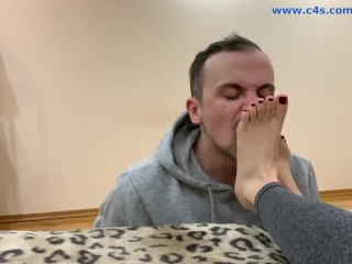 Amateur Home Femdom – Foot Worship Feet Licking and FullWeight Trampling LifeStyle Slaves Moment