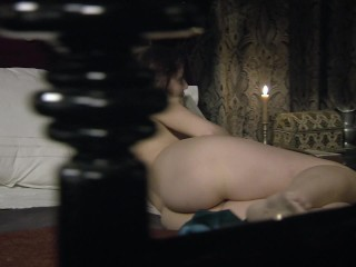 Stella Arranz desnuda en Aguila Roja