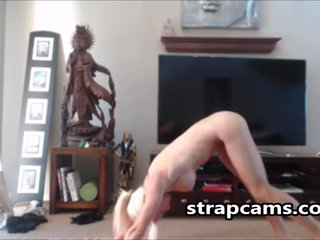 Flexible Busty Teen On Webcam