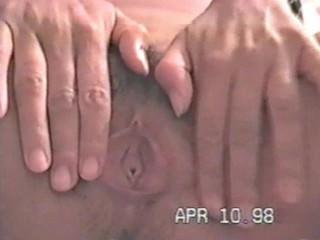 Preciosa latina se masturba con su consolador