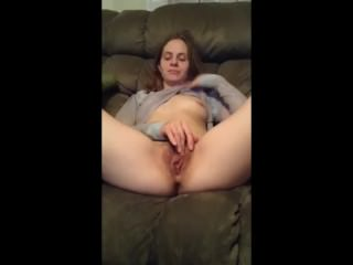 31 yo wife amy fingering her cunt