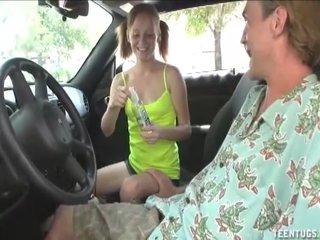 Teen handjob in the car