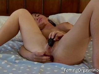 Babe Needs Anal While Masturbating to Orgasm with Contractions