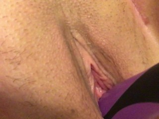 Young Teen Uses Hairbrush To Cum