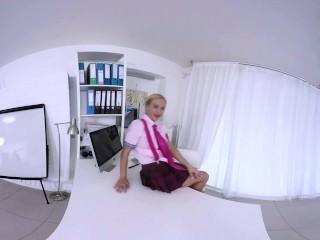RealJamVR – Vinna Reed – Naughty Student