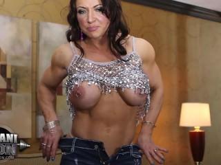 Brandi Mae 04 – Female Bodybuilder