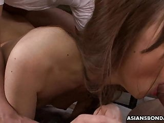 Aiko Hirose is having a blast during a hardcore threesome