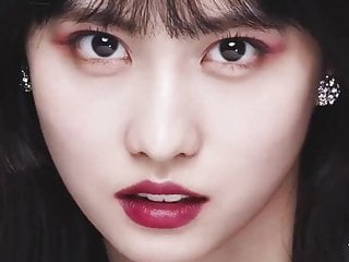 Momo's Extremely Slutty Close-Up