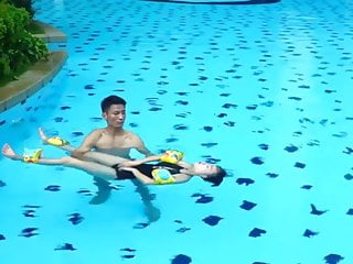 .How to Massage in Water by Floating body