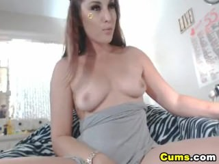 Pretty Hot Chick Masturbating with her Wet Pussy