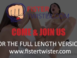 Fistertwister –Fisting lesbians slide the whole hand in