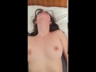 18 YEAR OLD SLUT TINDER GETS FUCKED ON THE FIRST DATE