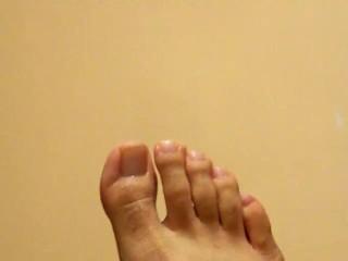 Un fetichista de los pies masculinos exitandose con un muchacho mexicano