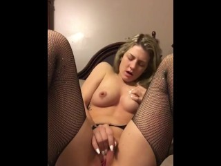 Amateur Frosted Blonde Girl Fingers Herself For Goblin King