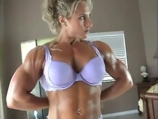BEAUTIFUL GIRL FLEXING HUGE MUSCLES