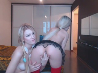 Blonde Lesbian Teens Play On Webcam