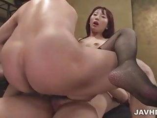 Yui Misaki obedient milf fucking three hunks