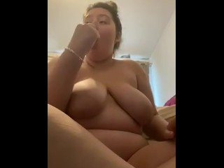 Quick masturbation and cheeky little squirt