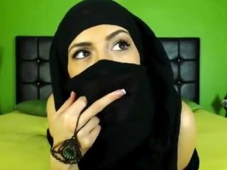 Sensual Arabian Cam