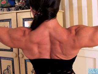 Denise Masino – Popping Out – Female Bodybuilder