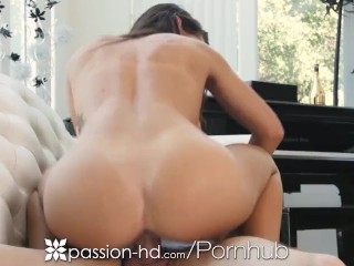 PASSION-HD Tongue tasting DRIPPING WET HOLE