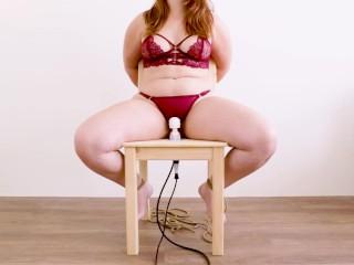 Stoel Bondage Tiener Vastgebonden Orgasme Enorme Vibrator Luid Gekreun
