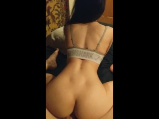 Gymshark girl with perfect ass loves riding a big cock