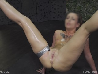 Queensnake.com – Punching Bag – Lilith – Queensect.com