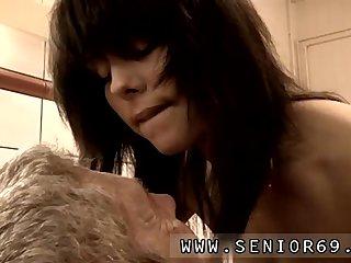 Lola lane blowjob Dokter Petra is examining