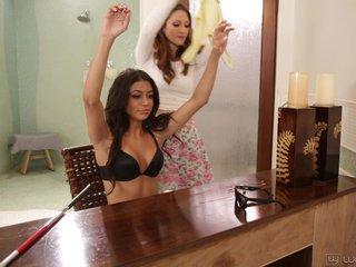 Teen Lesbians Veronica Rodriguez And Ellena Woods